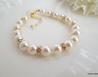 Swarovski Pearls bridal Bracelet rhinestone Bracelet Classic Bracelet Wedding Pearl Bracelet Bridal Cuff pearl Bridal Bracelet KRISTEN