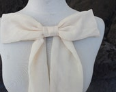 Cute  chiffon bow applique ivory color     1  pieces listing