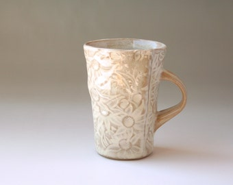 Mug with Australian Flannel Flower design - White and buff stoneware ceramic cup