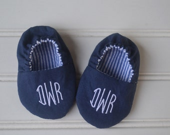 Monogrammed Reversible Infant Crib Shoes - Navy and White Seersucker Stripe - Baby Boy, Shower Gift, Welcome Baby, Slippers