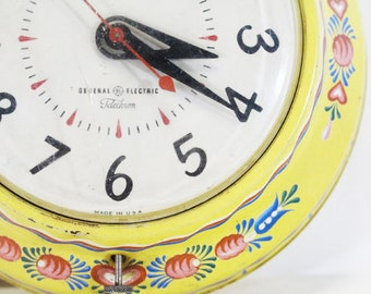 Yellow Kitchen Clock, Electric with Tolle Painting in Pink and Blue, Vintage Wall Clock