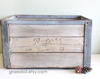 Vintage 1953 Ralph's Wood Crate, Ralph's Grocery Company Wood Metal Crate / Item No. 13908
