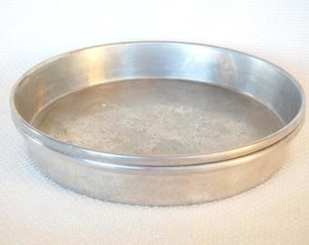 Set of 2 Vintage Cake Pans Wear-Ever 2715 Cake Pans 9 inch Cake Pans