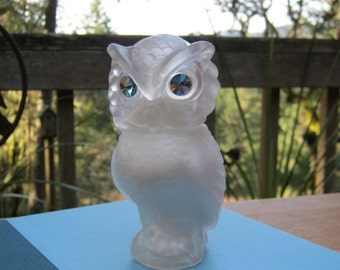 Avon Snow Owl Decanter - Frosted Glass Shaker - Moonwind Powder Sachet - Oak Hill Vintage