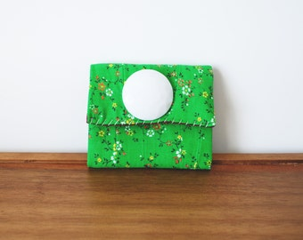 CLEARANCE--Kelly Green Floral Cloth Business or Credit Card Holder w White Button