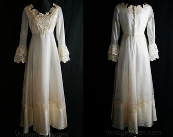 Haute Hippie 1960s Empire Bridal Gown with Bell Sleeves - Size 8 to 9 - Wedding Dress - Deadstock - NOS - Bust 35 - Waist 28 - 34124-1