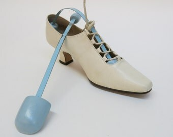 Vintage Shoe Stretcher -  Shoe Form - Shoe Saver