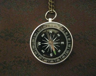 Silvery compass necklace
