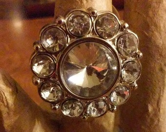 Fun and Sparkly Stretch Ring