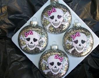 Ornaments - Happy Skulls
