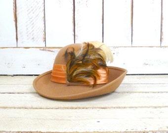Vintage tan/taupe light brown wool felt feather cloche hat/Mr. Charles hat/Doeskin felt hat