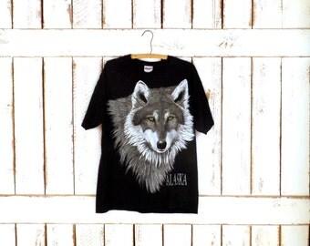 Vintage black Alaska wolf cotton tshirt/Alaska USA tshirt/animal tshirt