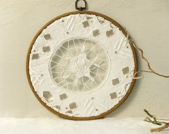 Shabby chic rustic decor, Holiday  gift idea, Wall Floral richelieu lace, Wall  Hoop frame, Country decor, Antique Lace hoop art,