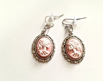 Lady skeleton Cameo earrings / Facing opposite directions towards each other