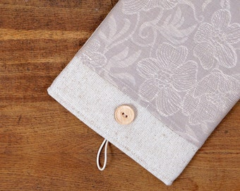 50% OFF SALE White Linen iPad Case with dark flowers print pocket and button closure. Padded Cover for iPad 1 2 3 4. iPad Sleeve.