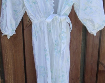 Vintage 70's 1970's Women Ladies Teen White Floral Robe Size Medium By BALLET
