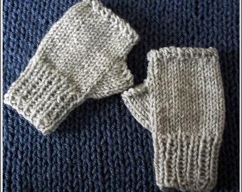 Boys' gray mittens, Kids gray gloves, Fingerless gray gloves, Boys' hand-knitted gray mittens, gray wrist warmers, Boys' gray wrist warmers