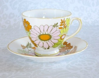 Vintage Tea Cup and Saucer  /  Pink Crazy Daisy Flower Power Teacup Set  /  Retro Hippie Flower Cup and Saucer