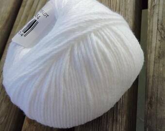 DK Weight Yarn - Cotton Blend - 50g - 132 yards -  White (#01) - Katia Espiga (Spain)