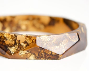 statement piece - tiger eye with gold flakes eco resin faceted bracelet bangle