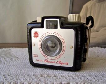 Vintage Kodak Brownie Chiquita 1950s Camera Bakelite Case Brownie Camera Kodak Camera Photography Camera Collector