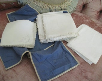 Vintage Luncheon Napkins In Holder 30 Pieces White Embroidered Crochet Damask S2