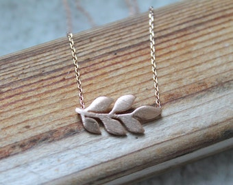 Rose Gold Leaf Delicate Necklace.  Dainty everyday Layering Necklace. Bridesmaid Gift, Simple Chain Choker. Minimalist, Birthday Gift.