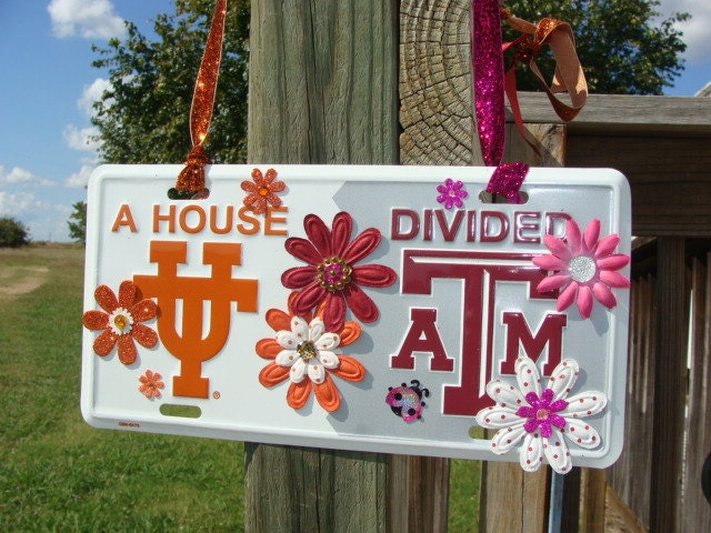 House Divided Texas A M Aggies And Texas Longhorns License