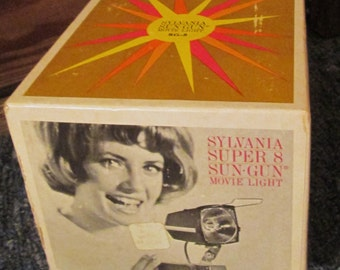 Vintage Sylvania Sun-Gun SG-8 Movie Light with Original Box, Instructions and Wire Guard.  G-379A