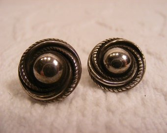 On Sale Rhodium Screwback Turban Earrings