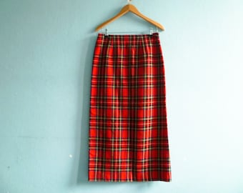 Vintage red tartan skirt / pencil skirt / high waisted / long / medium
