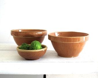Ceramic Bowl Set - Vintage Rustic Primitive Bowls - Stoneware Mixing / Nesting Pottery Bowls
