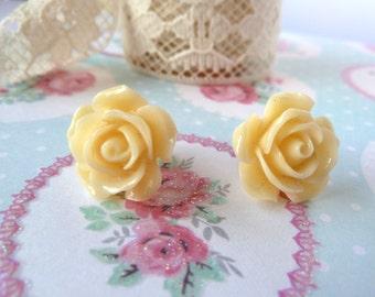 Cream flower earring stud - cabochon, rose, earrings