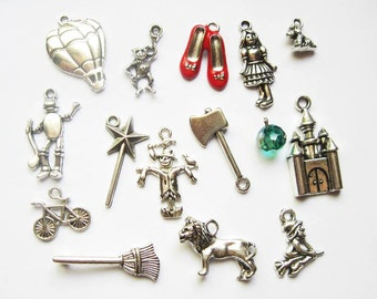 Wizard of Oz Charm Pendant Collection in Silver Tone - C1991