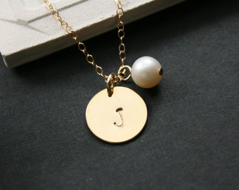 Single disc with pearl in GOLD FILLED - engraved necklace , wedding gift , romantic birthday gift, for mom daughter, friendship, for wife