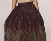 Vintage 1950s Skirt. Full Day Skirt. Border Print. Swing. Rockabilly. Mid Century. 28 Waist