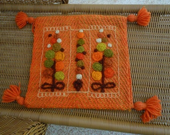PILLOW COVER 1960s Fat Wool Yarn Flowers
