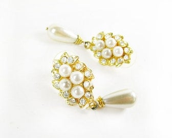 Vintage Pearl Earrings with Rhinestones, Vintage Bridal  / Vintage Wedding Earrings - Boucles d'Oreilles.