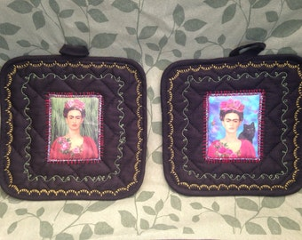 Frida Kahlo Black Potholder Set - Kitchen