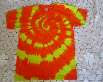 "Tie dye shirt, Youth Large- ""Can you see me now?"" spiral - 350"