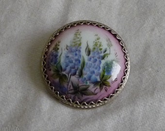 Vintage  Brooch hand painted