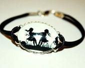 Dancing Sisters Silhouette Leather Bracelet silvercolored - gift sister best friend bff besties nostalgic jewelry