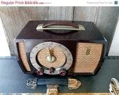 Holiday Sale Zenith Antique, Mid Century, Working 1951 Zenith Tube Radio, Model H723Z2