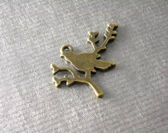 Sale 30% off - CHARM-BIRD-AB-17MM - 6 pcs Antique Bronze Bird on a Branch Charms