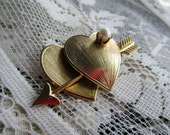 Vintage Double Heart Brooch///Cupids Arrow///Cultured Pearl