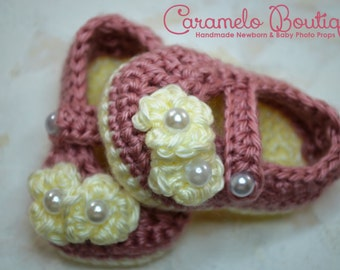 Baby Girl Mary Janes Shoes with Pearl-Baby Girl Shoes with Pearls-Baby Girl Slippers-Baby Girl Booties-Baby Loafers-Newborn Photography Prop