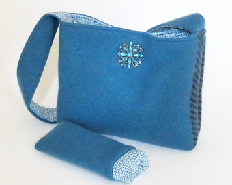 Felted TURQUOISE WOOL PURSE / Shoulderbag / Lined /with Vintage Turquoise Jewelry pin / Eco Friendly Gift /Upcycled from a wool sweater.