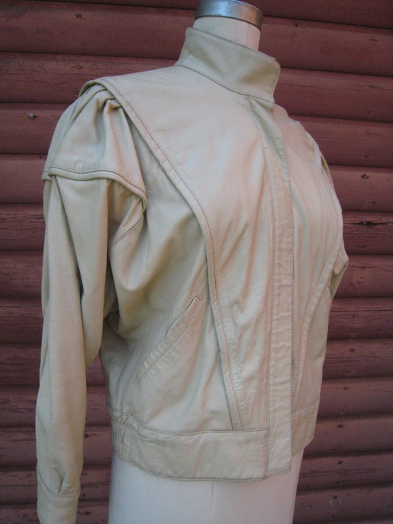 Vintage Pale Buttercup Yellow Vera Pelle Jacket with Bat Wing Sleeves Size 42 1980s