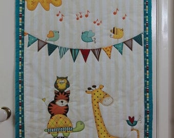 Quilted Wall Hanging Sunshine Zoo