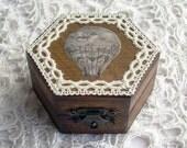 little wooden box - air balloon